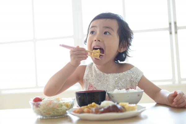 这样吃饭最养人 (图片来源:photoAC)