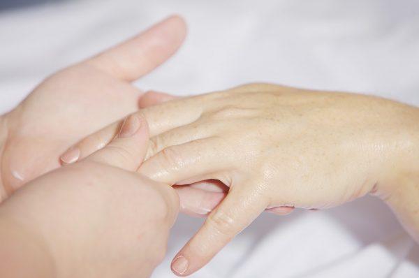 缺什麼營養,看手 (圖片來源 pixabay)
