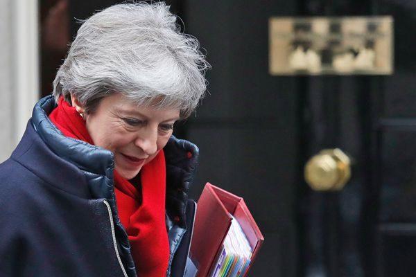 """英工党威胁推翻""""脱欧""""计划 梅政府或面临垮台"""