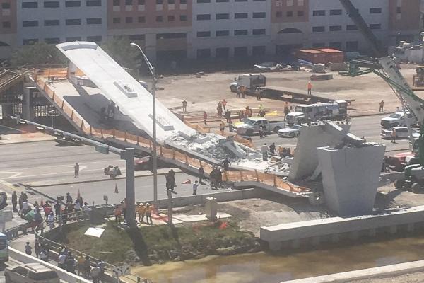 【视频】佛州国际大学一条人行天桥坍塌 四死数伤