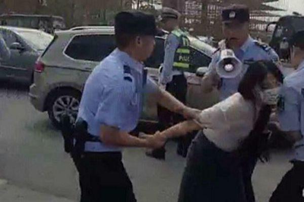 安徽六安市扣发工资引200教师集体上访讨薪被抓