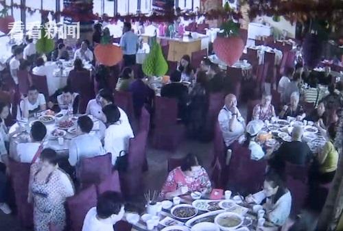 重庆一休闲山庄月初承办一对新人的婚宴,不料却被吃了霸王餐。图片来源:看看新闻