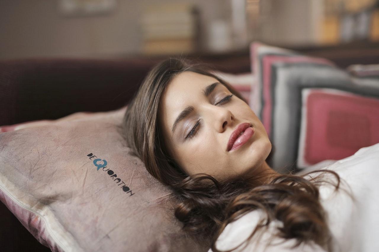 午睡(图片来源:pexels)