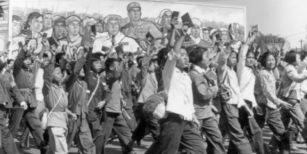 历史上的今天,6月18日:北大红六月暴力—— 黄铜头阴阳头,昨天的施暴者,今天的受害者