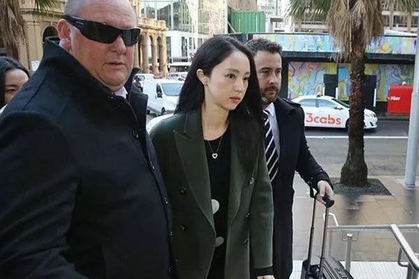 高云翔涉性侵案2次保释获批准 图为其妻子董璇前往法庭旁听 网络图片