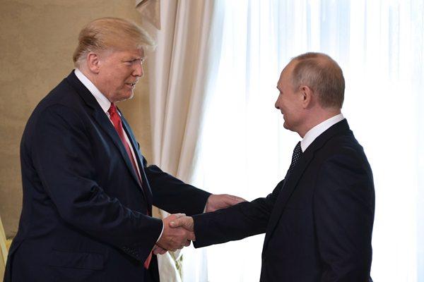 川普:赫尔辛基口误 相信美国情报界