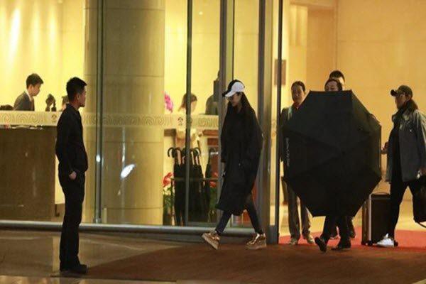 范冰冰10月15日在北京现身 网络图片