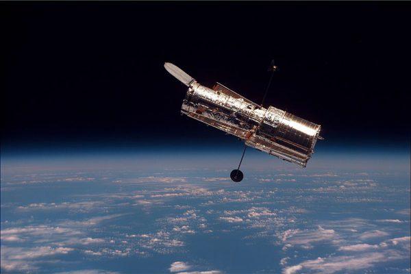 天文学家使用哈勃太空望远镜深领域影像(图片:wikimedia commons)