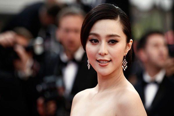 中共党媒长文批演艺圈明星范冰冰被指复出无望 AP