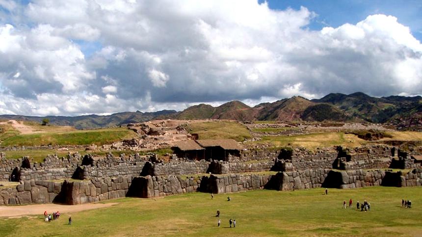 神秘古石城 :印加帝国『萨克塞华曼』的巨石如此密接至今是迷!