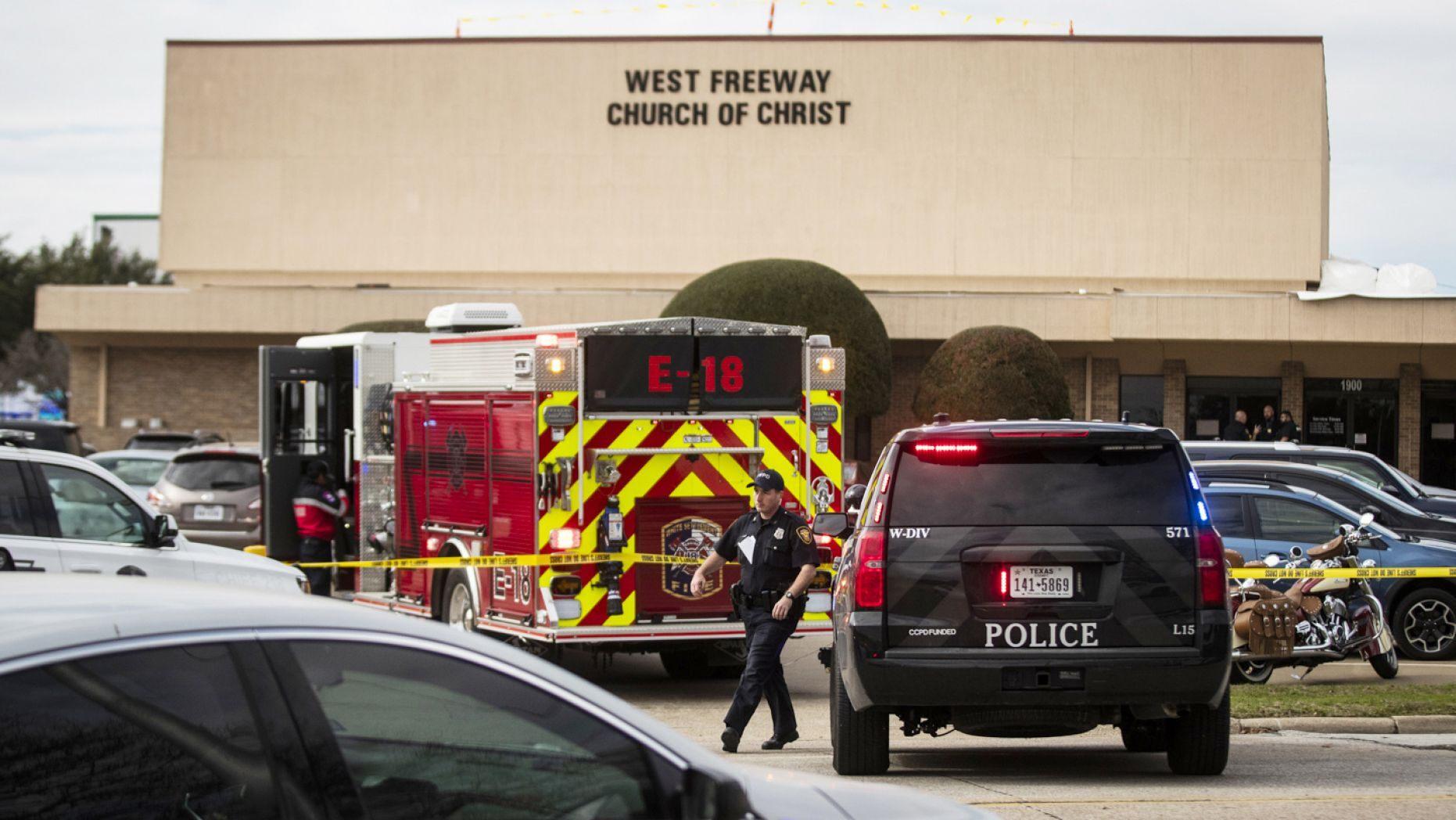 德州教堂槍擊案 槍手6秒后即被前FBI特工擊斃
