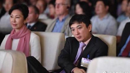 媒体报导指,王思聪母亲林宁替儿还债。(网络图片)
