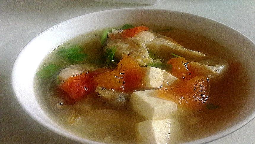 西紅柿豆腐湯、豆腐湯  (圖片: Xinzi Rao/ Flickr,CC BY 2.0 )