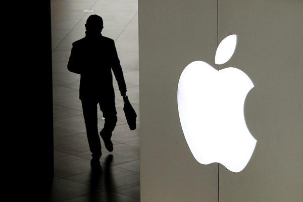 川普贸易战对中国出口美国产品造成了影响,图为苹果电脑标准,目前苹果手机组装厂商富士康已经将部分产能转移到了东南亚。