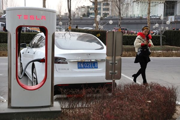 特斯拉 (Tesla)充电桩示意图(图片来源:AP美联社)