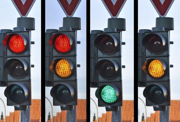 交通灯(Pixabay)