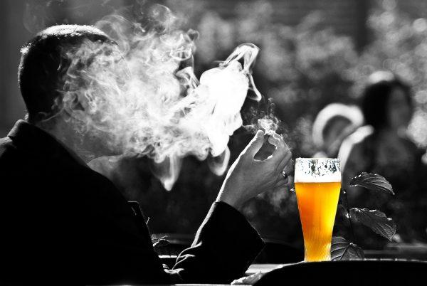烟酒(pixabay)