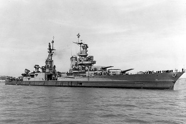 """美国的""""印第安纳堡利斯""""号军舰"""
