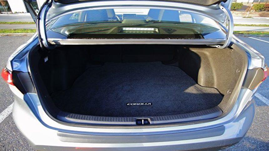 耐用舒適低耗 2020款豐田Toyota Corolla Hybrid 後備箱 (圖片: 李奧/大紀元)