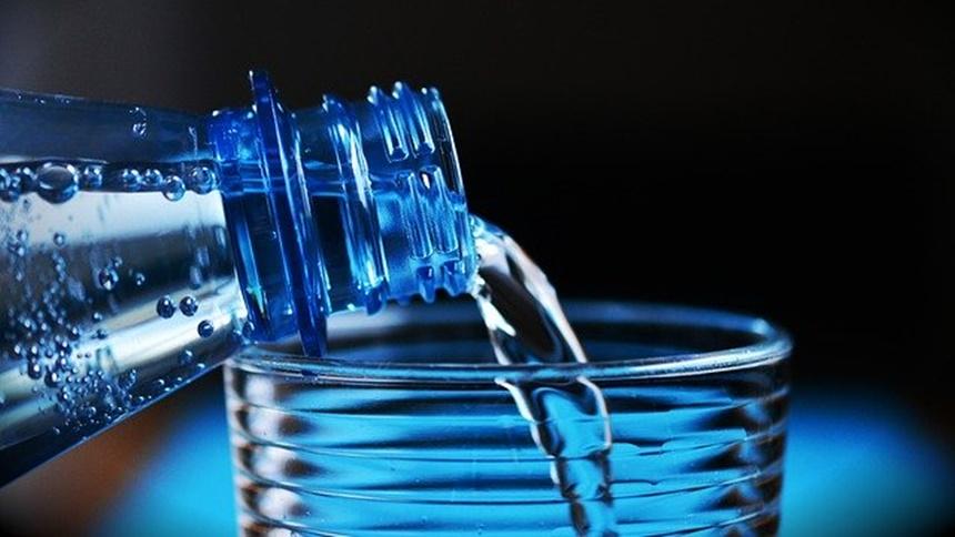 喝水(图片:pixabay)