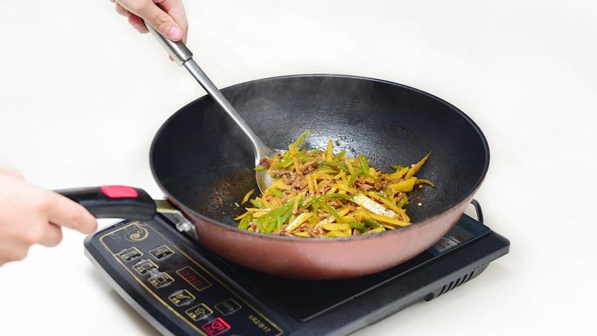 炒菜  (图片: pixabay)