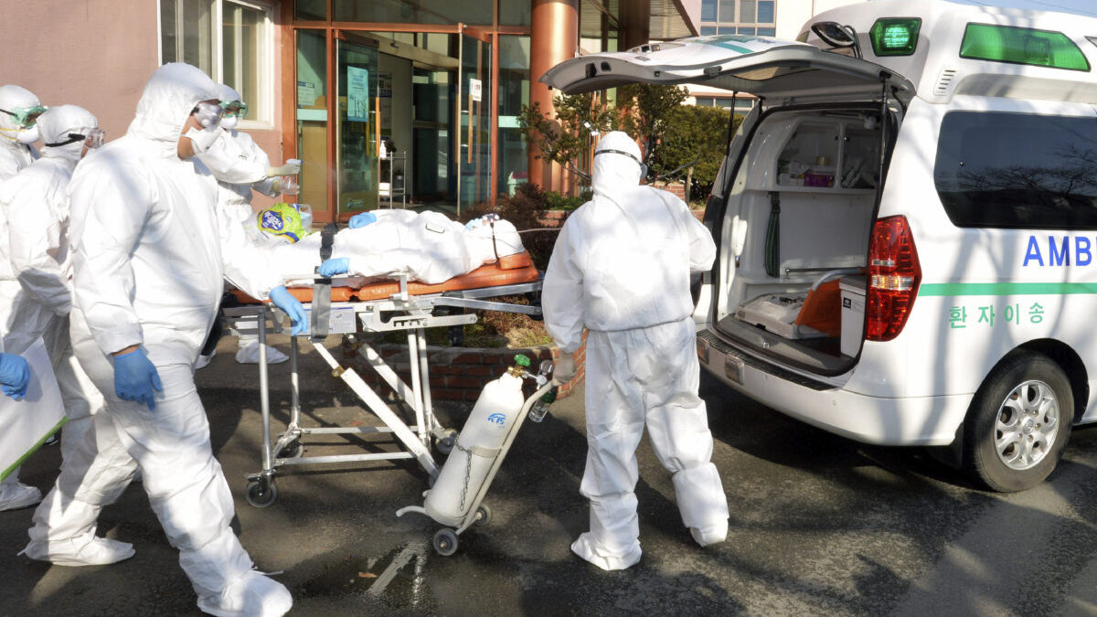 CDC专家:美国正对可能到来的新冠病毒大爆发做充分准备