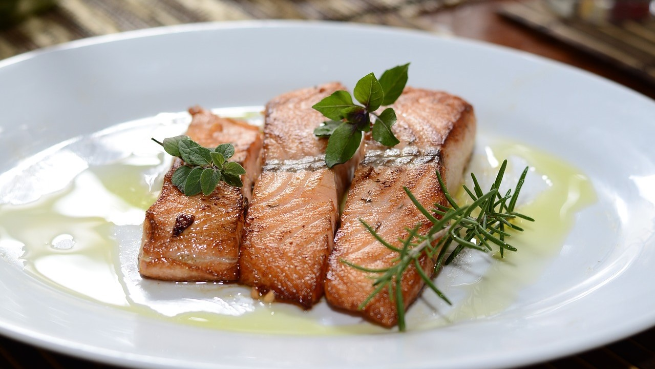 烤鲑鱼(pixabay)