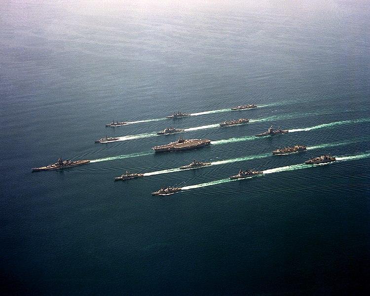 海军舰队(public domain)