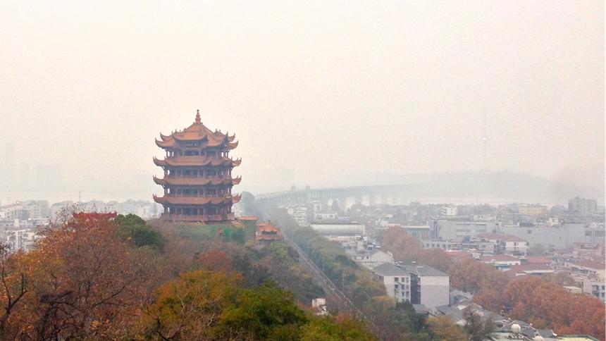 """那个""""雾锁长江、黄鹤飞不见""""的武汉"""