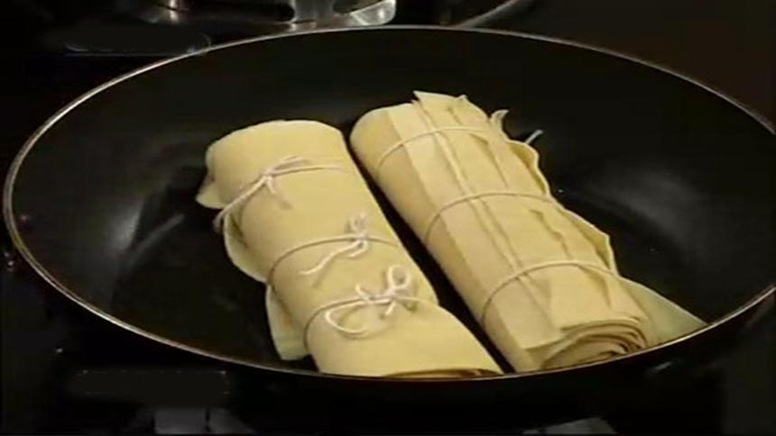 美食、豆皮、豆片  (图片:希望之声合成)
