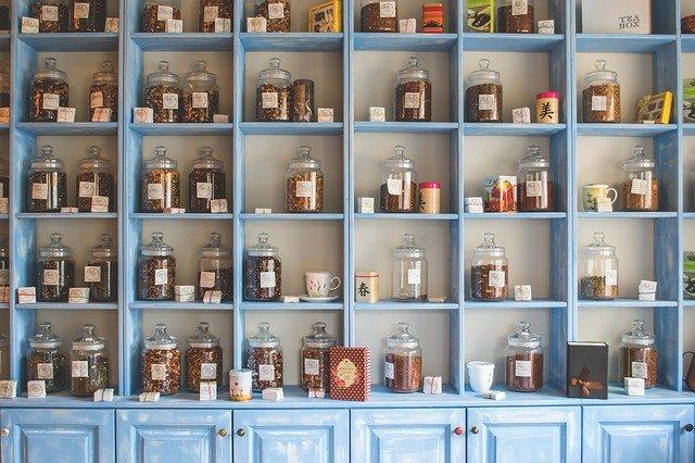 那些善于养生的家庭,常常应该预备一些合成好、加工好的成品药,用来应对仓促而来的急病  (图片:pixabay)