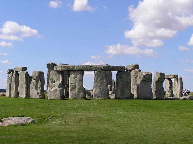 英格兰威尔特郡的史前巨石阵(图片:garethwiscombe/flickr,CC BY 2.0)