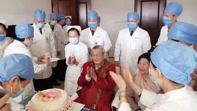 網傳朱鎔基住進301醫院過生日的照片(推特圖片)