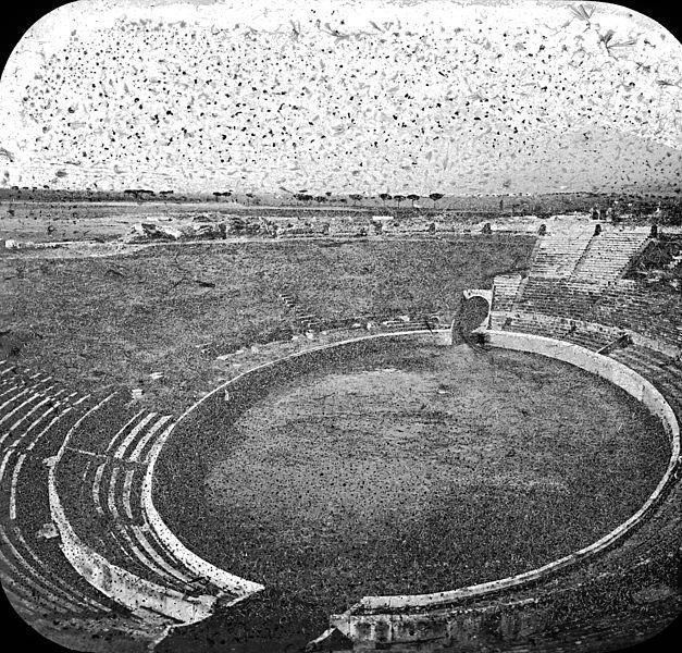 庞贝城的大型竞技场(图片:1923年前摄影作品,美国布鲁克林博物馆藏)
