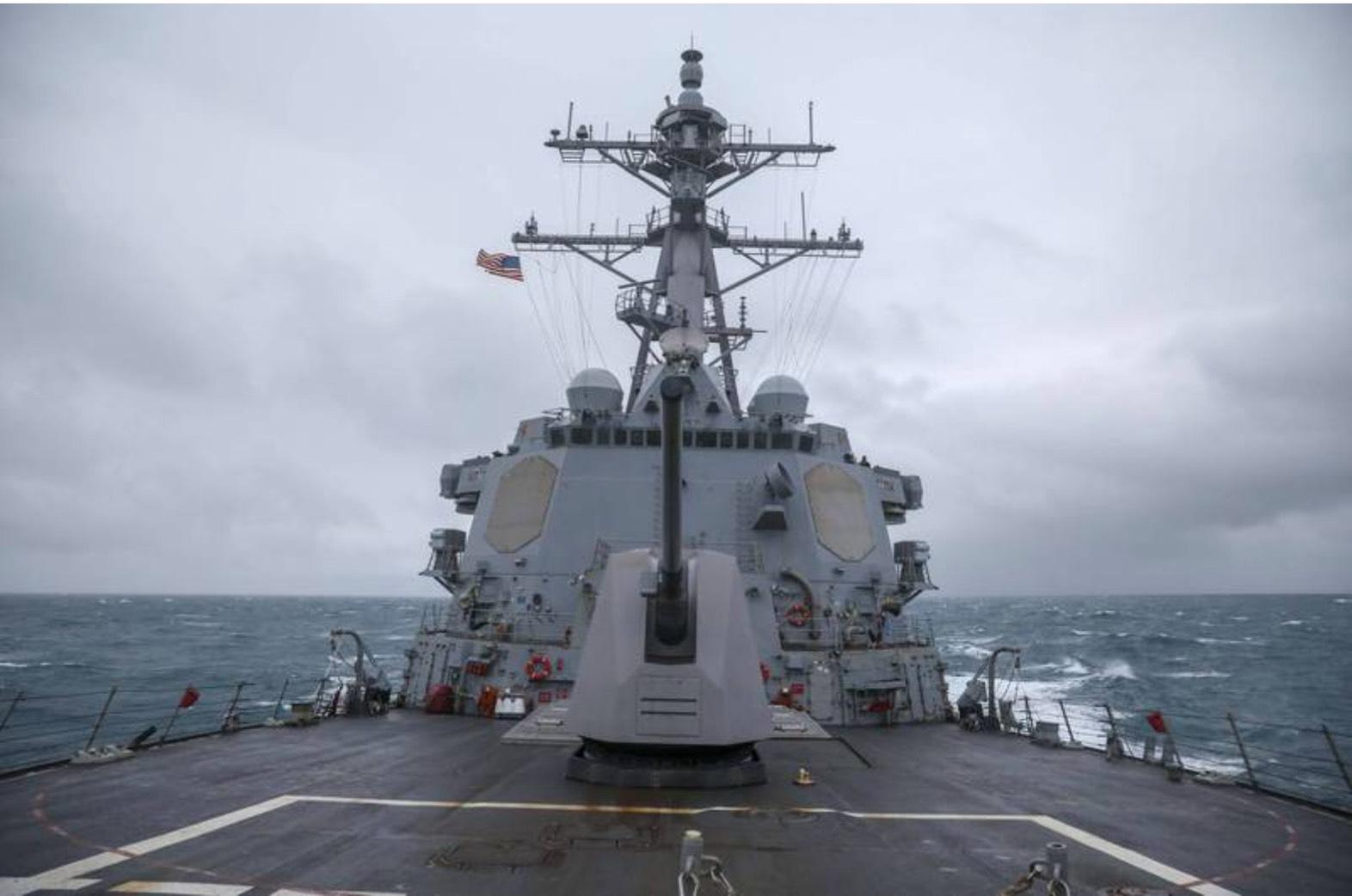 美国海军第七舰队伯克级神盾驱逐舰马斯廷号(USS Mustin DDG-89)今日通过台湾海峡