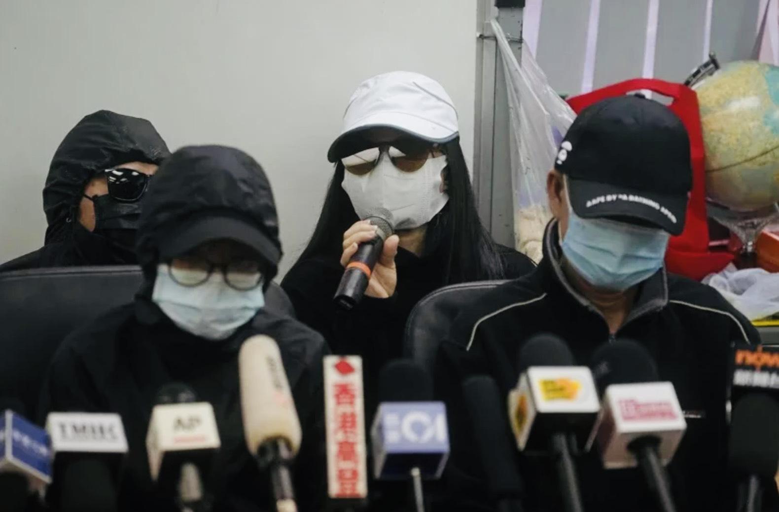 12位港人被中国政府扣押三个半月,他们的家属不久前举行记者会,要求中国当局告知案件的审理日期,并准许家属旁听
