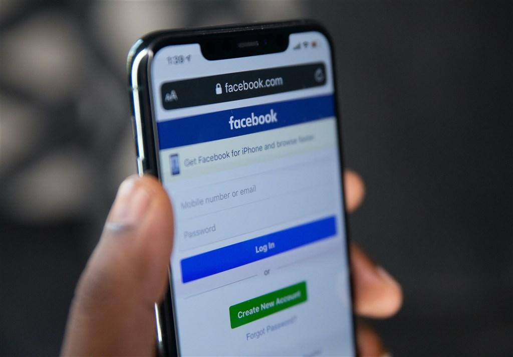澳洲政府强制Alphabet Inc旗下Google及Facebook公司支付费用予新闻媒体的法案引起这两大科技巨头反弹,但澳洲资深议员22日表示,政府不会妥协。