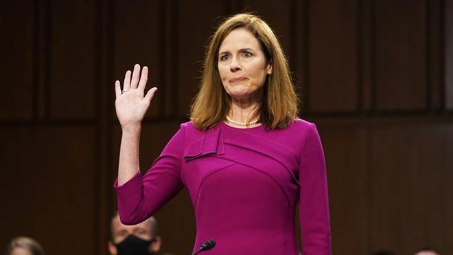 图为巴雷特法官(Amy Coney Barrett)2020年10月12日在国会提名听证会上宣誓。(图片来源:Patrick Semansky/AP)