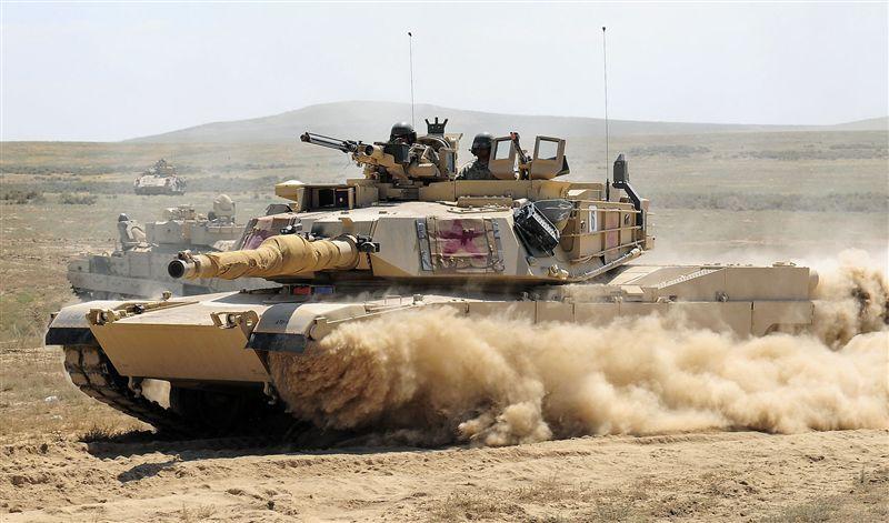 """美國印太司令部司令表示,美方提供臺灣國防物資與服務。圖爲美國""""M1A2戰車""""。"""