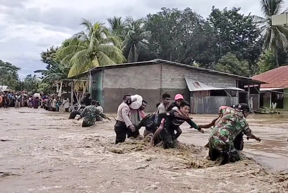 Floods and landslides in Indonesia and East Timor