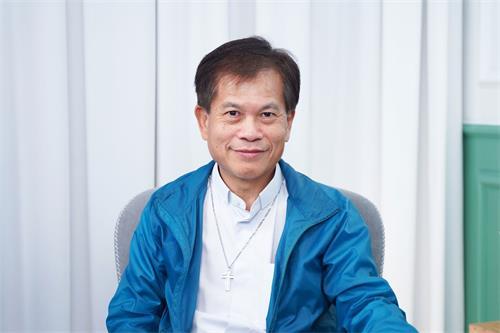 香港圣公会牧师、前立法局议员冯智活
