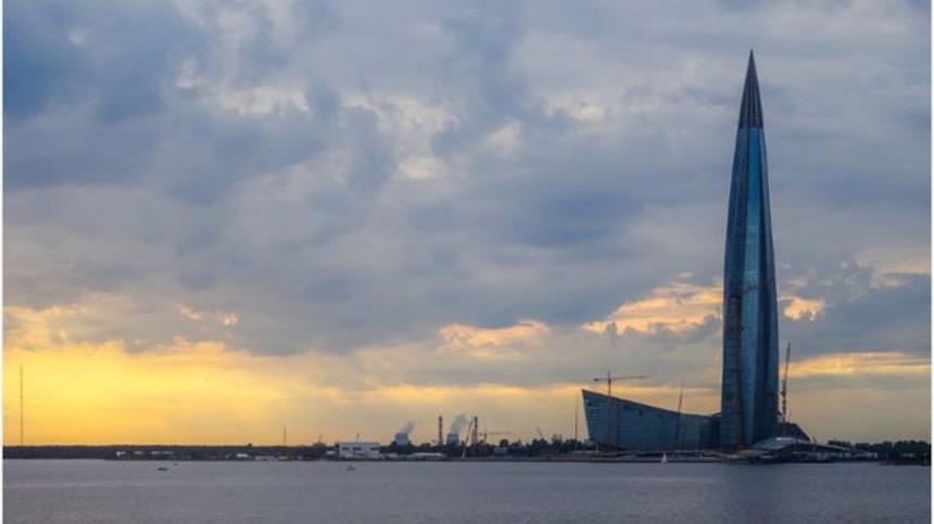 高462米拉赫塔中心(Lakhta Centre),是能源巨头俄罗斯天然气工业股份公司 (Gazprom)的总部,是圣彼得堡的第一个超过300米的建筑,也是目前欧洲最高、世界最北的摩天大楼。 (图片来源:Pixabay)