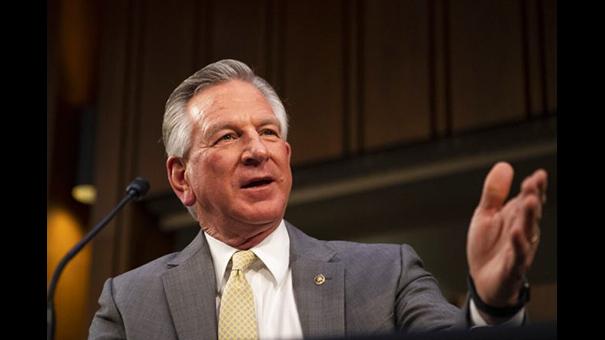 2021年2月25日,阿拉巴马州参议员图伯维尔(Tommy Tuberville)在国会上发言。 (Caroline Brehman/Pool via AP)