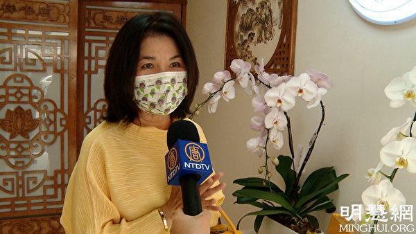台灣僑務促進委員林女士前來祝賀巴黎天梯書店開業。