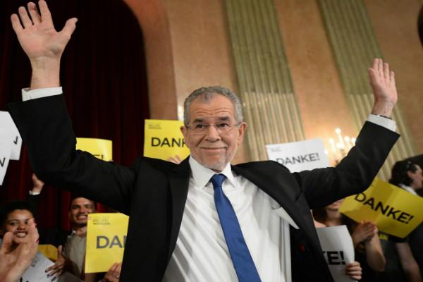 奥地利新总统获胜后吁团结