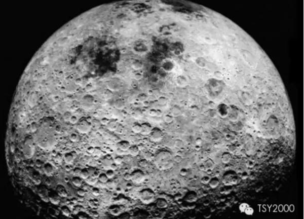 宇航员曝光震撼真相:月球是空心!有外星人!!
