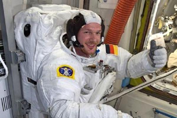 德国宇航员将重返太空 总理默克尔表祝贺