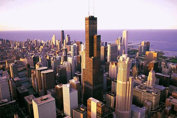 暴力频发 美芝加哥国庆节长周末64人遭枪击4亡
