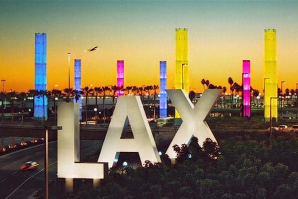 传洛杉矶机场响枪声 一场虚惊