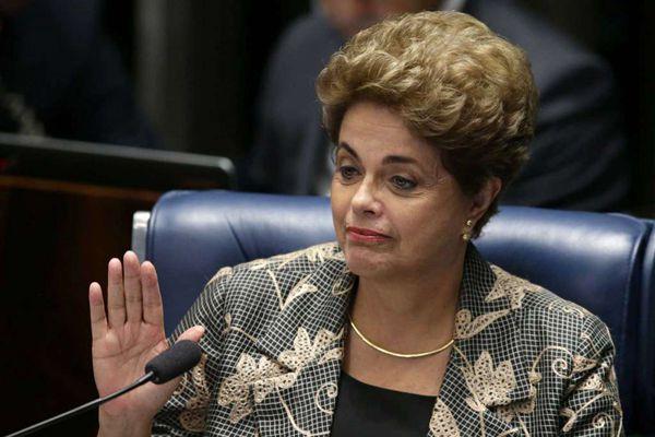 """巴西总统罗塞夫坚称""""我无罪"""" 指责议会搞""""政变"""""""